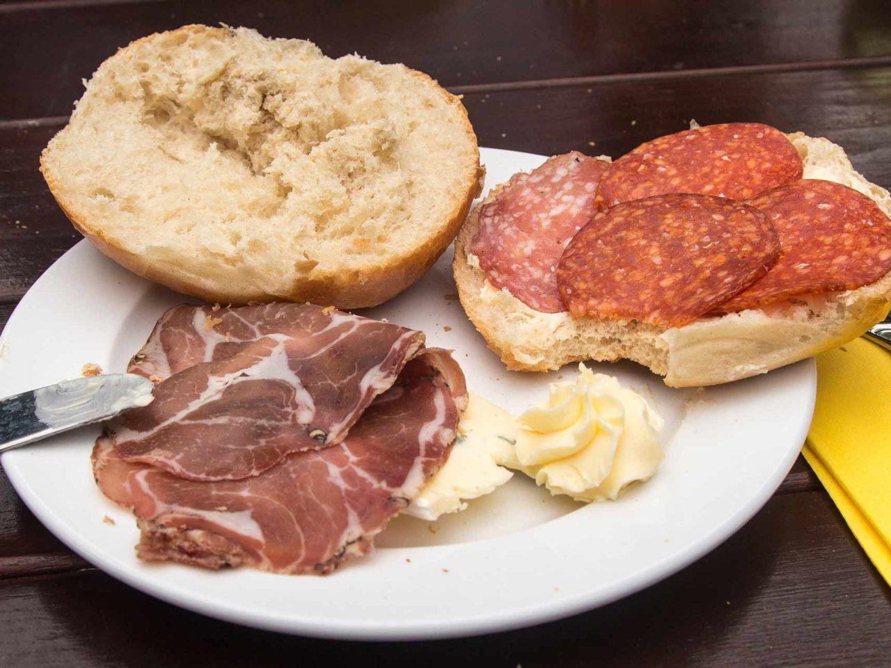 breakfast-863105_1920